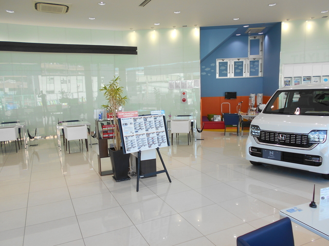 Honda Cars 大阪 摂津店の写真