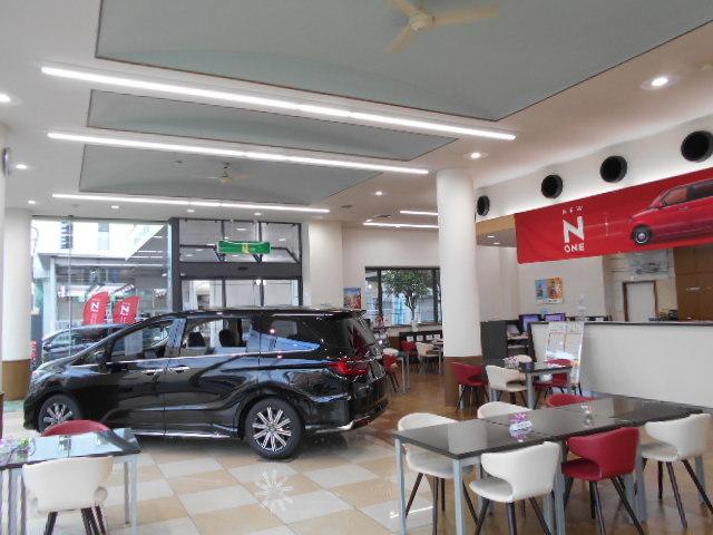 Honda Cars 大阪 東成店の写真
