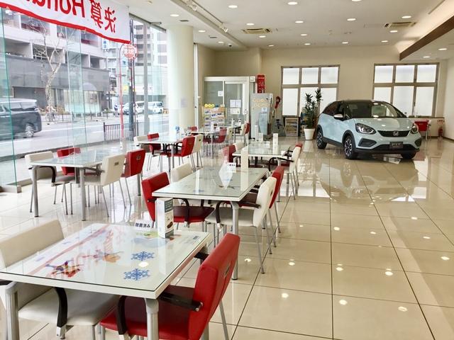 Honda Cars 大阪 吹田店の写真